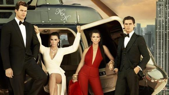 Kourtney-and-Kim-Take-New-York-Helicopter-Wide-Shot